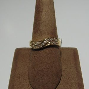 Jewelry - Ladies 14K Yellow Gold 36 Diamond Ring